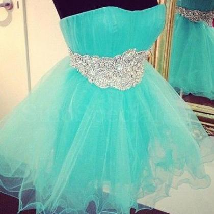 Lovely Short Tulle Homecoming Dress..