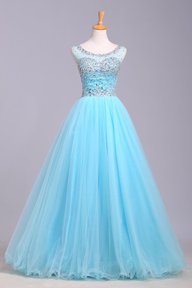 Charming A-line Tulle Prom Dresses Scoop Neck Crystals Beaded Party Dresses Floor Length Women Dresses 2016