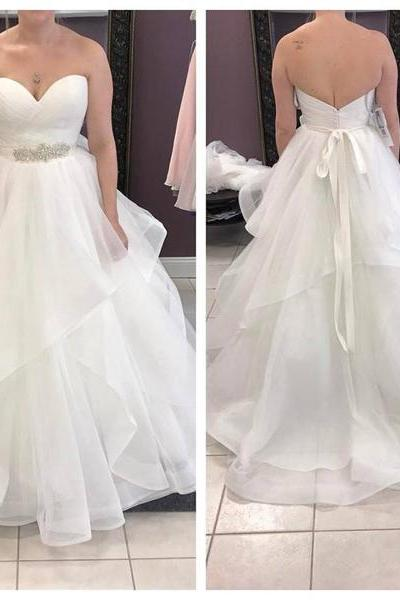 Sweetheart Neck A-line Organza Bridal gown Crystals Wedding Dresses