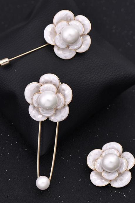 Classical alloy Brooch 3 peices a set