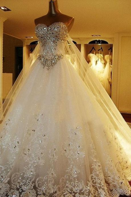 Luxurious Crystals Tulle Bridal Gown Sweetheart Neck Lace Appliques Wedding Dresses Custom Made 2016