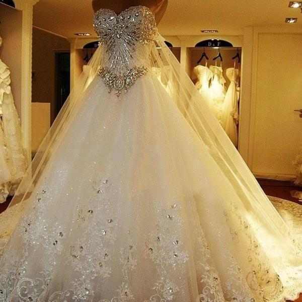 Wedding Gowns To Rent: Luxurious Crystals Tulle Bridal Gown Sweetheart Neck Lace